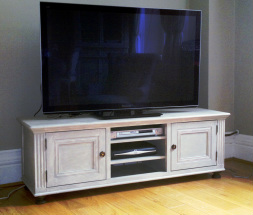 Free-standing tv cabinet